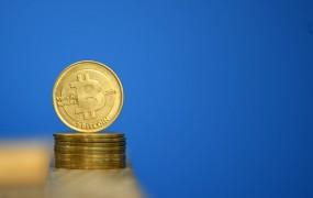 Kriptovalute strmo padajo: bitcoin že pod 6000 dolarji