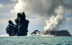 Izbruh ognjenika na Tongi ustvaril nov otok