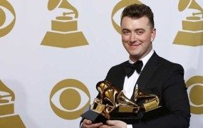 """Sam Smith s štirimi """"gramofončki"""" veliki zmagovalec podelitve grammyjev"""