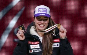 Po treh medaljah Tini Maze vse več pozornosti namenjajo tudi Američani