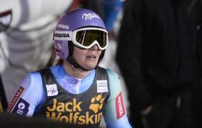 Tina Maze 16. na slalomu v Areju, za Fennigerjevo zaostaja za 30 točk