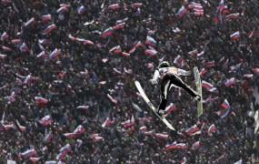 V Planici slavje slovenskih skakalcev