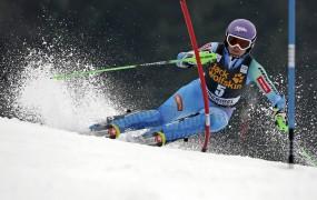 Mazejeva po četrtem mestu v slalomu znova pred Fenningerjevo