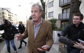 BBC je odpustil razvpitega voditelja Top Geara Clarksona