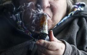 Prijeli 86-letno preprodajalko marihuane