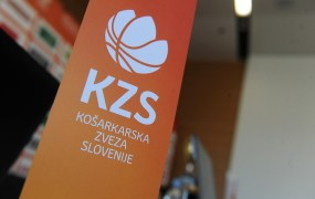 Blamaža za slovensko košarko: sodniki stavkajo, košarkarska tekmovanja so prestavljena