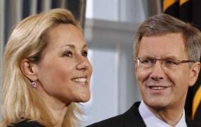 Bivši nemški predsednik Wulff se je pobotal z ženo