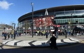Podjetja letno namenijo pol milijarde evrov za oglaševanje na stadionih