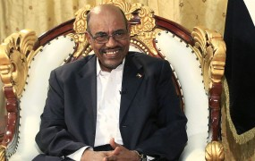 Sudanski predsednik Putina prosi, naj ga zaščiti pred Američani