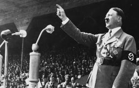 Hitlerjeve slike na dražbi šle za med