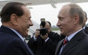 Sibirske počitnice Vladimirja in Silvia: Putin in Berlusconi v koči v odročni Sibiriji