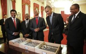 Obama v Afriki spoznal svojo prednico Lucy