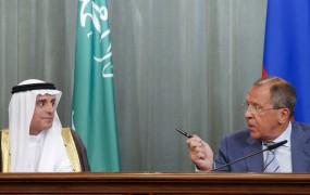 """Nediplomatski Lavrov: med novinarsko konferenco izustil besedo """"debili"""""""
