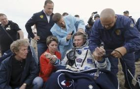 Rus v vesolju preživel rekordnih 879 dni