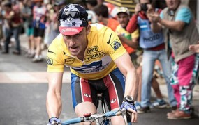 Igralec Ben Foster se je tako poglobil v vlogo Lancea Armstronga, da je jemal doping