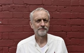 Škandal na Otoku: Jeremy Corbyn, morebitni bodoči britanski premier, naj bi vohunil za komuniste
