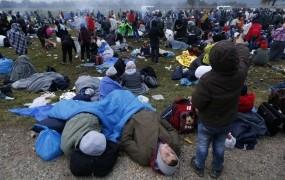 Sodišče EU z zaušnico Hrvatom: ob migrantskem valu bi morali obravnavati prošnje za azil