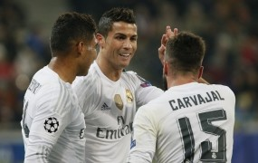 Nogometašem Real Madrida kar 1,5 milijona evrov po glavi