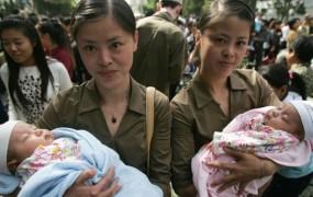 V Vietnamu dvojčici z dvema očetoma