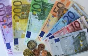 Ciprski javni uslužbenec se pritožuje, da dobiva plačo, čeprav nič ne dela