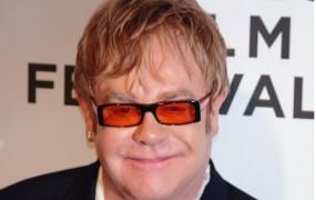 Elton John s svojo fotografsko zbirko v galeriji Tate Modern