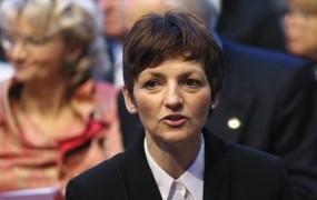 V SMC napadajo Pahorja in spominjajo člane, da imajo na volitvah svojo kandidatko