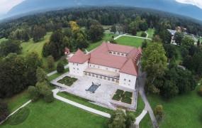 Državo bo prenova gradu in hotela Brdo stala 30 milijonov evrov