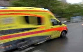 Na počivališču Studenec Avstrijec trčil v tovornjak, sopotnica je umrla