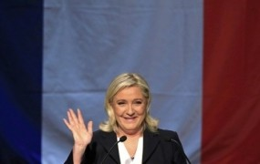 Marine Le Pen pila kavo v Trumpovem stolpu, do Trumpa menda ni prišla