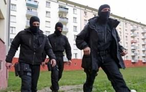 Nekaj dni pred volitvami v Franciji prijeli teroristična osumljenca