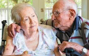 Raziskava: V zakonu se vam lahko zmeša, a pomaga proti demenci
