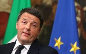 Renzi in Berlusconi sanjata o premierskem stolčku