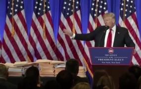 Trumpovi uslužbenci so ploskali, novinarji so bili sovražni, papirji pa menda prazni