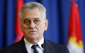 Nikolić pripravljen sam prijeti za orožje v vojni proti Kosovu