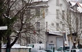 Balkanskemu bojevniku 5000 evrov odškodnine zaradi razmer v priporu