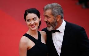 Mel Gibson dobil že devetega otroka