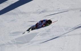 Laro Gut grdo padla, s helikopterjem so jo prepeljali v bolnišnico