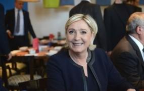 Francija Evropski parlament poziva k odvzemu imunitete Marine Le Pen