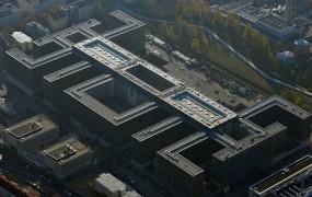 Agenti nemške BND naj bi vohunili za novinarji tujih medijev