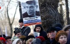 V Moskvi so se tisoči spomnili umorjenega Putinovega kritika Nemcova
