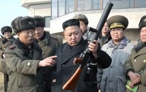 "Kim Jong Un spet strelja: izstrelil je ""neidentificiran projektil"""