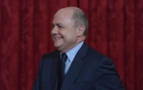 Mladoletni hčerki francoskega ministra z delom za očeta zaslužili kar 55.000 evrov