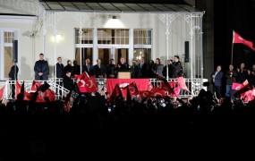 """Avstrija pripravlja """"lex Erdogan"""": Turki ne bodo več po domače zborovali po Avstriji!"""
