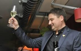 Kranjski župan Trilar vinjen povzročil nesrečo, zdaj mora plačati 5600 evrov kazni