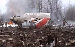 Poljaki trdijo, da je letalo s Kaczynskim razpadlo že v zraku