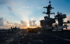 Ameriški letalonosilki se ne mudi v Severno Korejo