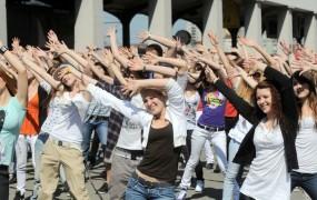 Zaradi velikega petka Nemci danes ne smejo plesati, prati avtomobilov, se seliti...