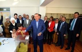 Turška opozicija zahteva razveljavitev rezultatov referenduma