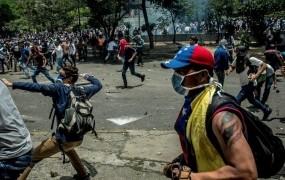 Madurova ustavodajna skupščina odvzela pristojnosti parlamentu, ki ga obladuje opozicija