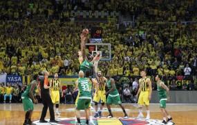 Poraženi košarkarji Panathinaikosa so se za kazen iz Istanbula v Atene vrnili z avtobusom